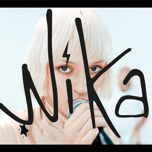 "Nika lanseaza piesa ""Maintenant""- varianta live"